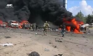 Explosão de carro-bomba atinge comboio de ônibus com civis na Síria