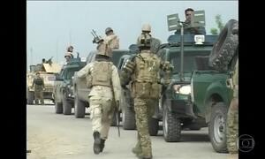 Talibã mata mais de cem soldados no Afeganistão, confirmam autoridades