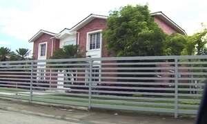 No Equador, polícia descobre uma fortuna escondida numa mansão