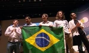 Seis alunos brasileiros participam da Olimpíada Internacional de Matemática