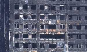 Sobe para 17 o número de mortos em prédio incendiado em Londres