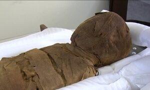 Tomógrafo de alta definição analisa múmia do Museu Nacional, no Rio