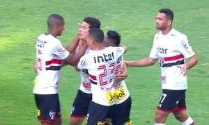 Palmeiras vence clássico e mantém São Paulo na zona do rebaixamento