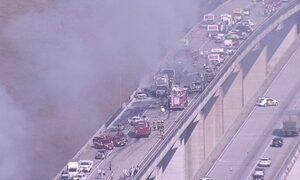 Impressionante e exclusivo: veja imagens do acidente com 36 veículos em SP