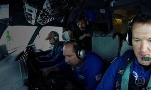 Meteorologistas entram no olho do furacão para medir tempestade