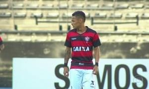 Vitória vira sobre Botafogo e chega à quinta vitória seguida fora de casa