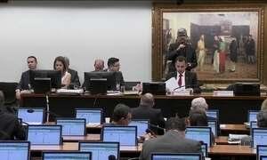 Relator recomenda rejeição da denúncia contra Temer e ministros