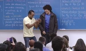 Hoje é dia do professor: mais de cem alunos na sala