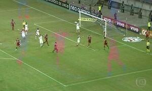 Grêmio empata com Vitória e Corinthians pode ser campeão na quarta-feira