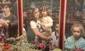 Sem adultos por perto, descubra o que crianças falam para a Mamãe Noel