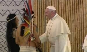 Papa se reúne com povos da Amazônia e defende meio ambiente