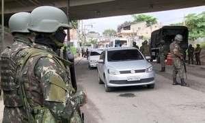 Especialistas tiram dúvidas de moradores do RJ sobre intervenção