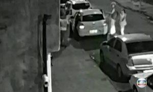 Vídeo mostra o motorista Anderson muito perto dos prováveis assassinos