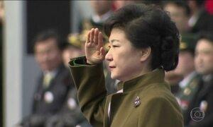 Ex-presidente da Coreia do Sul é condenada a 24 anos de prisão