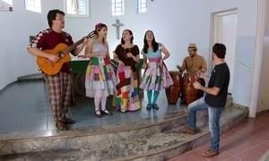 Projeto Emcantar Social ensina música a jovens