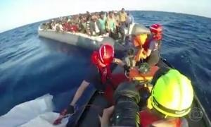 Itália volta a negar apoio a imigrantes resgatados no litoral da Líbia