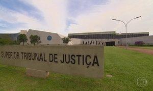 Presidente do STJ rejeita 143 pedidos de habeas corpus para Lula