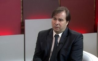 Mario Sergio Conti entrevista o presidente da Câmara
