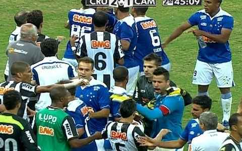 Cruzeiro x Galo tem lances violentos e tumulto no final