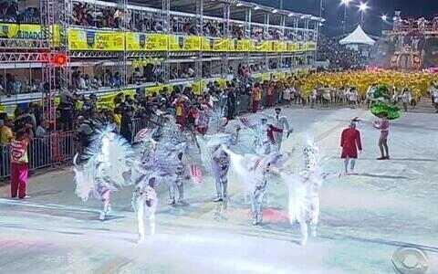 Imperadores do Samba homenageiam Luis Fernando Verissimo