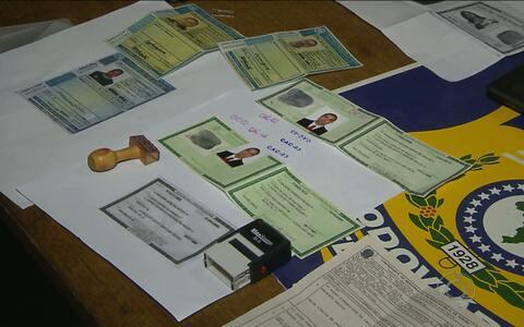 Suspeito de falsificar documentos é preso