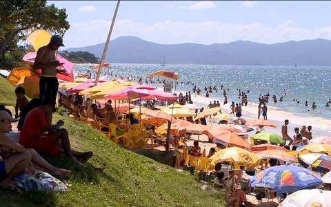 Alex Barbosa repercute as praias poluídas (None)