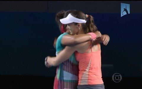 Martina Hingis conquista título  nas duplas no Aberto da Austrália