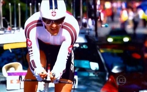 Ciclistas instalam motor em bicicletas para melhorar o desempenho nas competições