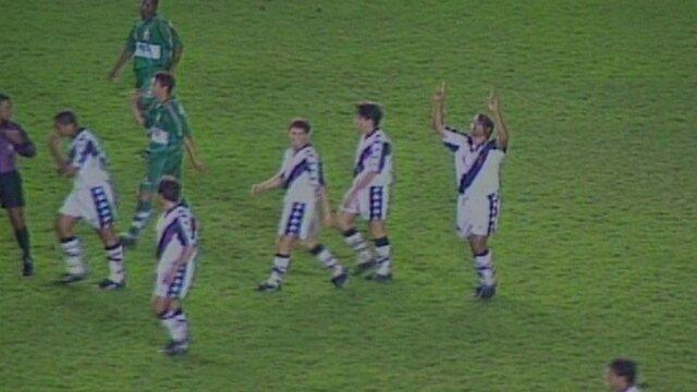 BLOG: Há 20 anos, Edmundo batia o recorde de gols em um jogo do Brasileiro