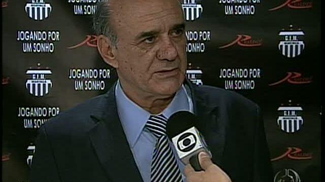 BLOG: Quando faltou goleiro no time do Waldir Peres...