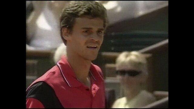 Em 2004, Guga vence Federer em Roland Garros