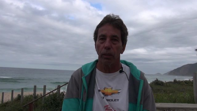 Meu treino: aos 64 anos, Rico mostra disposição no surfe e em outros esportes