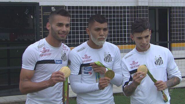 Jogadores do Santos FC usam medalha olímpica como incentivo
