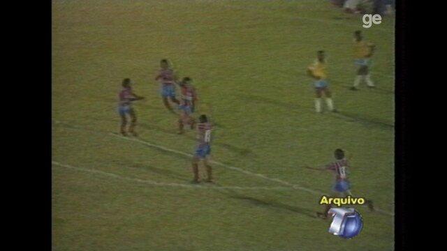 Gol de voleio de Lúcio Santarém no Estádio Colosso do Tapajós