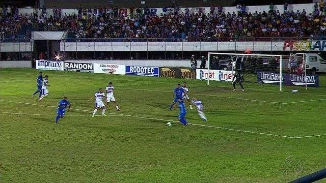 Com gol contra, Itabaiana perde jogo de ida para o São Bento