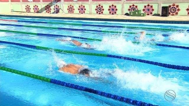 Competição Master de natação reúne grandes nomes da modalidade em Sergipe