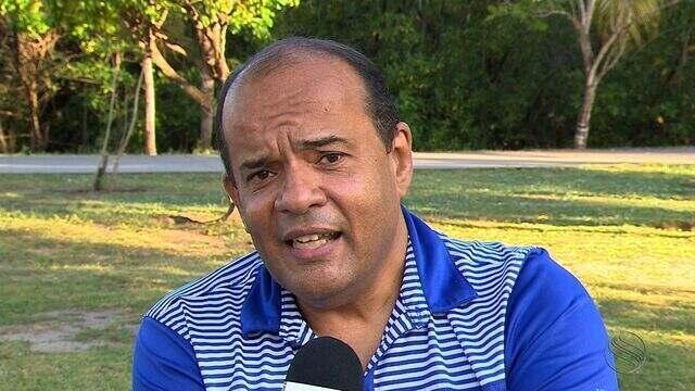 Célio França diz que Carlinhos está irregular no Juventude