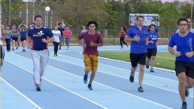 Pista de atletismo da UFT vira ponto de encontro de um clube de corrida