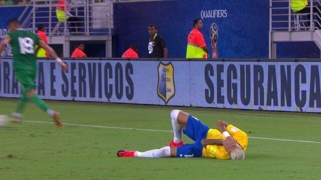 """BLOG: Neymar posta foto com rosto coberto de sangue e brinca: """"Cicatriz de leve"""""""