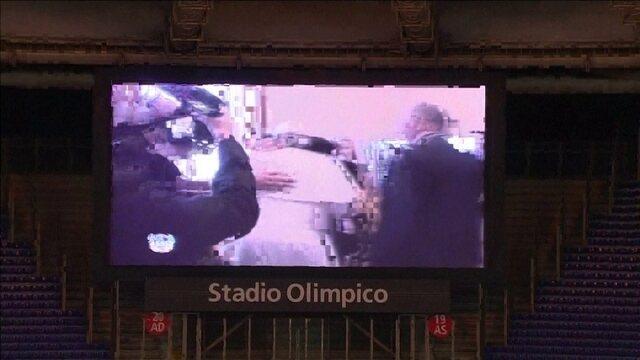BLOG: Jogo pela Paz? Maradona é ignorado por Verón e deixa o gramado revoltado