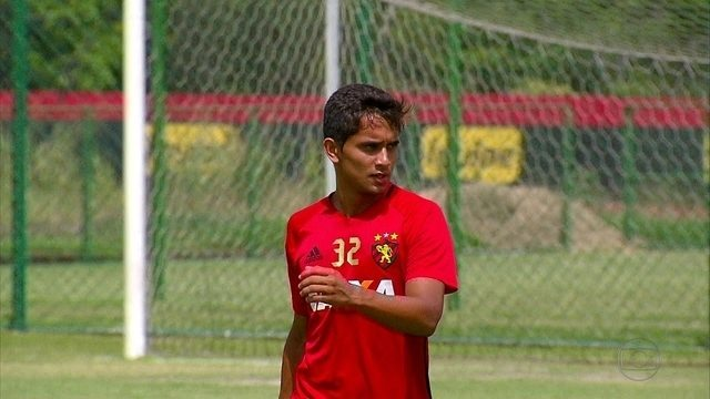 Mesmo garoto, Everton Felipe já mostra personalidade no Sport