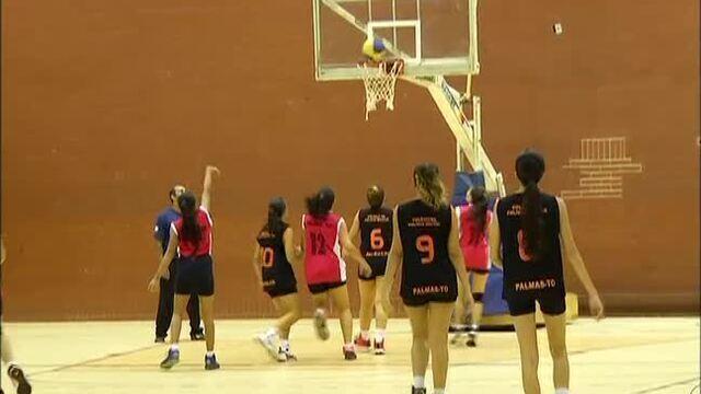 Meninas de Palmas jogam seletiva para o Brasileiro Escolar