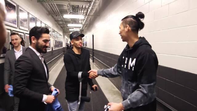 Gabriel Jesus assiste partida da NBA se empolga com música e conhece o jogadores