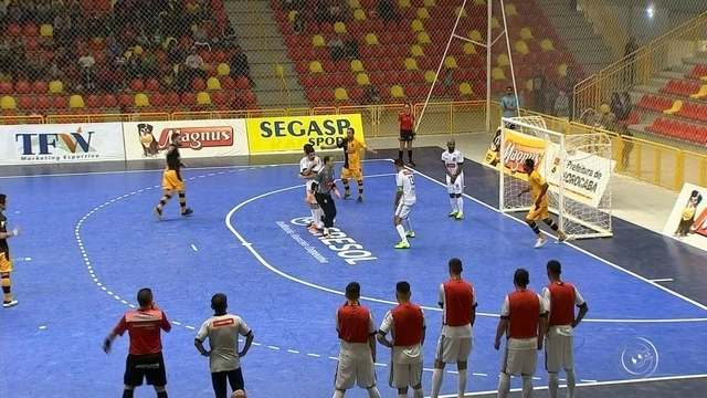 Com gols de Falcão, Sorocaba derrota a AABB na estreia da Liga Paulista