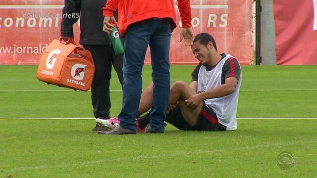 William dá susto, deixa treino mais cedo e vira dúvida para jogo com o Paysandu