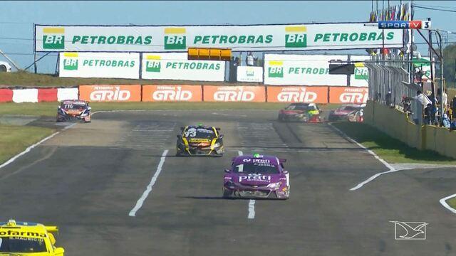Rafael Suzuki fica em quarto lugar na Stock Car