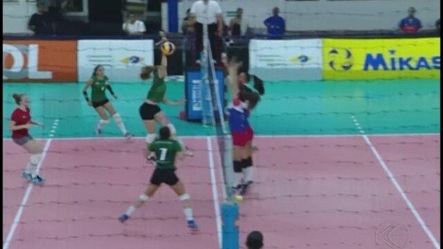 Santa Catarina bate Minas Gerais na 2ª rodada do Brasileiro feminino de vôlei sub-17