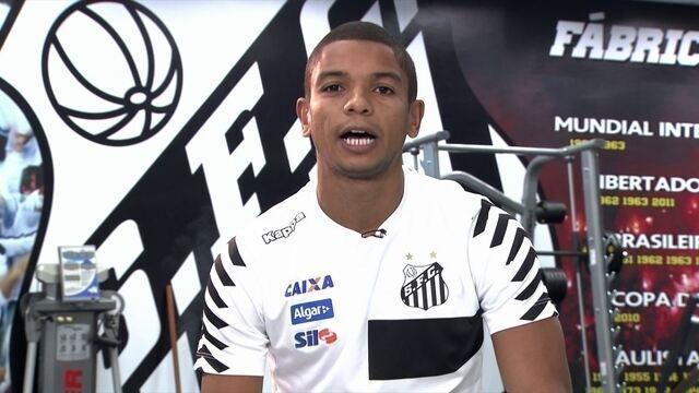 Em grande fase no Santos, David Braz responde perguntas de internautas