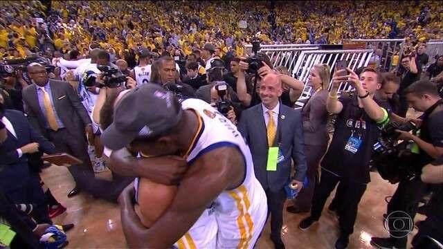 Melhores momentos: Cleveland Cavaliers 120 x 129 Golden State Warriors pela final da NBA