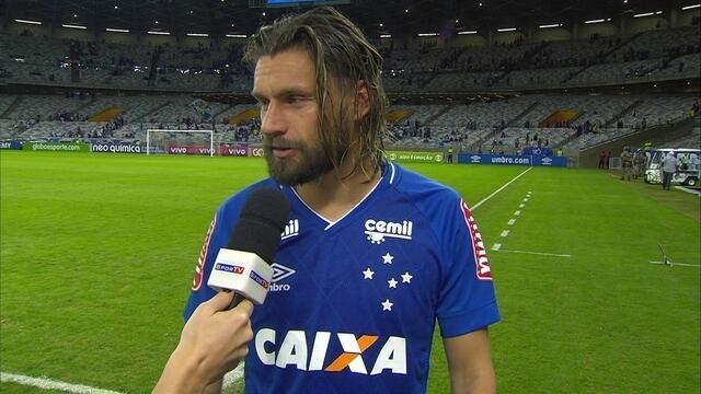 Rafael Sobis comenta vitória e gol do Cruzeiro contra o Coritiba no Mineirão